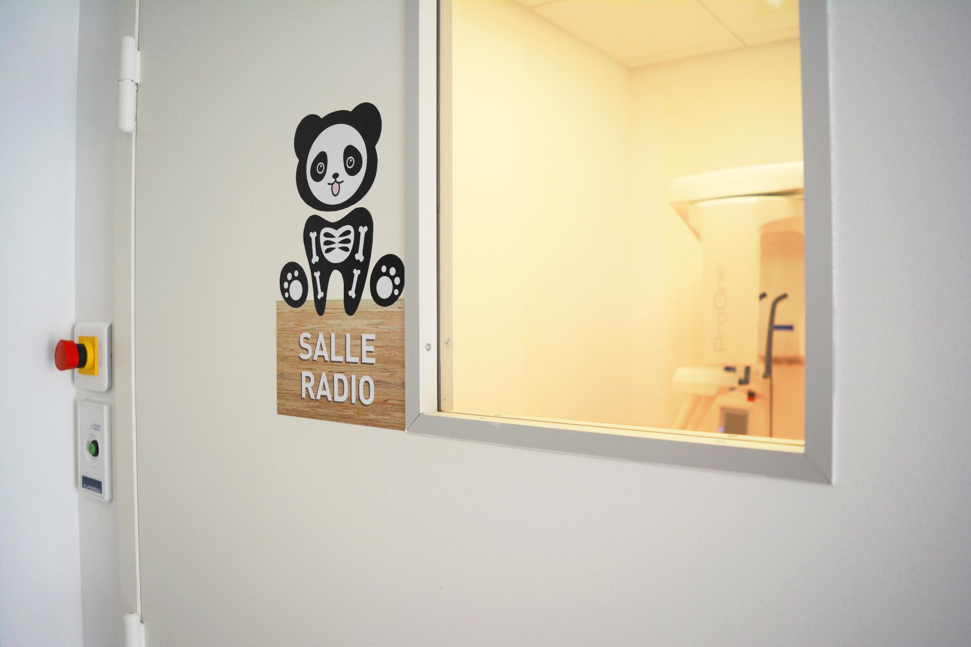 Salle Radio du cabinet