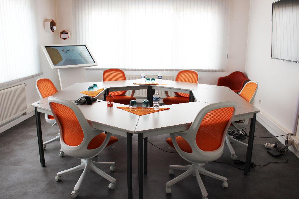 Aménagement d'une meeting room avant/après