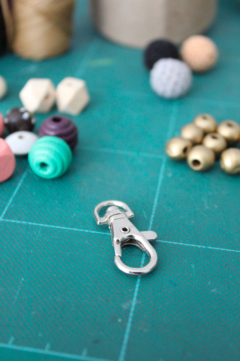 DIY Back to school - Des bijoux de sacs en perles